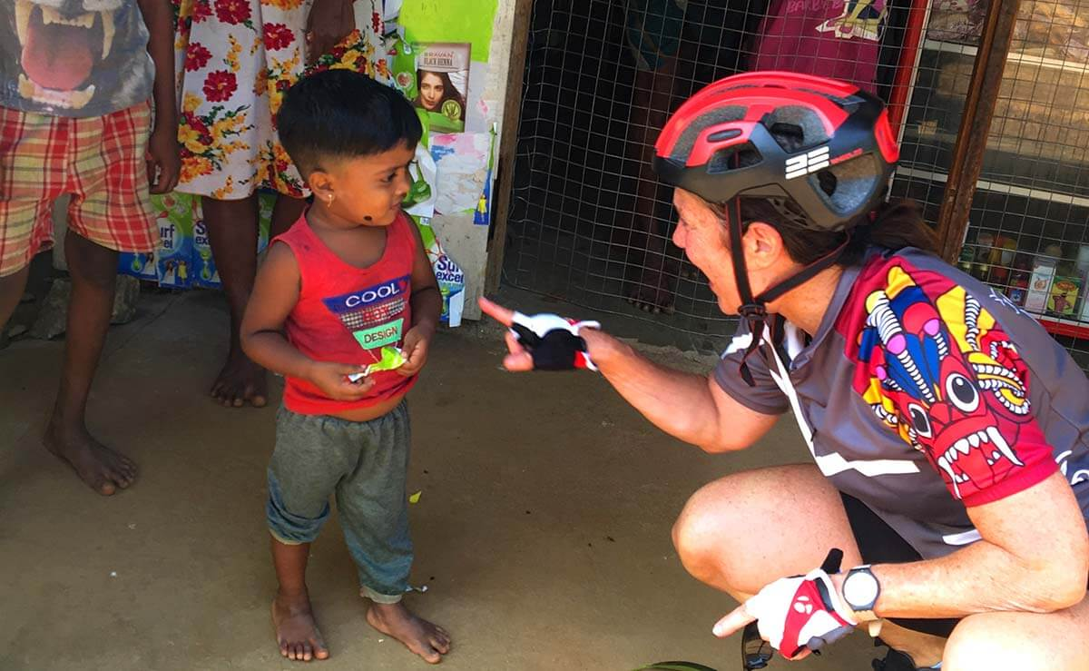 Cycling in Sri Lanka - interact with locals